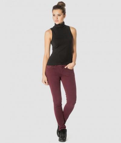 turtle neck sleeveless blouse