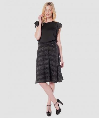 Semi long skirt