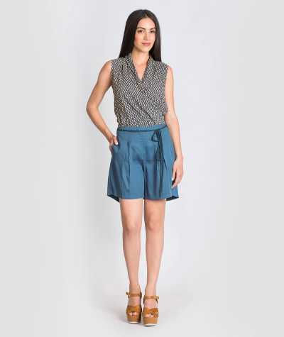 Shorts with Pleat